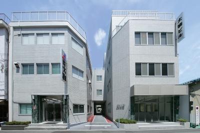 平成19年 2月 新社屋竣工、旧社屋のリノベーション完成